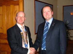 New chairman Dave Welch an doutgoing chairman Dave Liddington